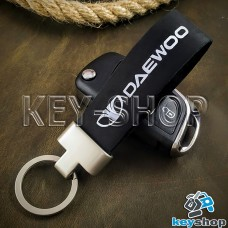 Брелок для авто ключей Daewoo (Дэу) кожаный (черный) с матовой фурнитурой