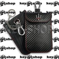 Чехол Фарадея, антисканер, противоугонный чехол Maserati (Мазерати) (кожаный, под карбон, черный, на липучке, с карабином, с кольцом)