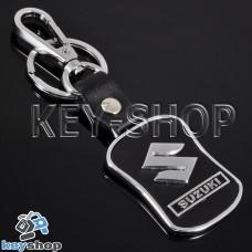 Металлический брелок с кожаными вставками для авто ключей Сузуки (Suzuki)