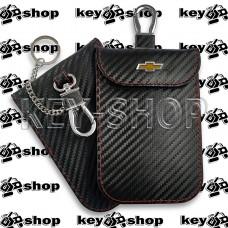 Чехол Фарадея, антисканер, противоугонный чехол Chevrolet (Шевролет) (кожаный, под карбон, черный, на липучке, с карабином, с кольцом)
