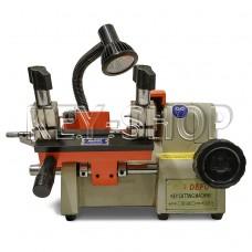 Станок DEFU 001 для (нарезки) изготовления домашних ключей английского профиля и автомобильных ключей.