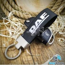 Брелок для авто ключей DAF (ДАФ) кожаный (черный) с матовым кольцом