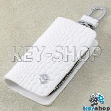 """Ключница карманная (белая, """"змеиная кожа"""", на молнии, с карабином, с кольцом), логотип авто Suzuki (Сузуки)"""