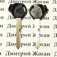 Ключ с магнитами для мотоцикла Honda (Хонда) лезвие левое (длинное)